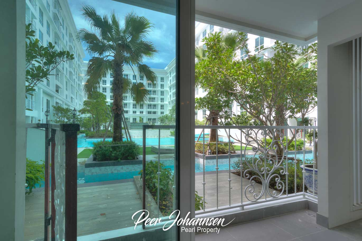 The Orient 2 Bed 2 Bath Pool Access
