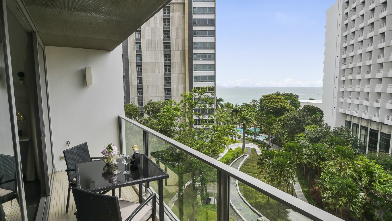 NorthPoint 1 Bed 1 Bath Sea View