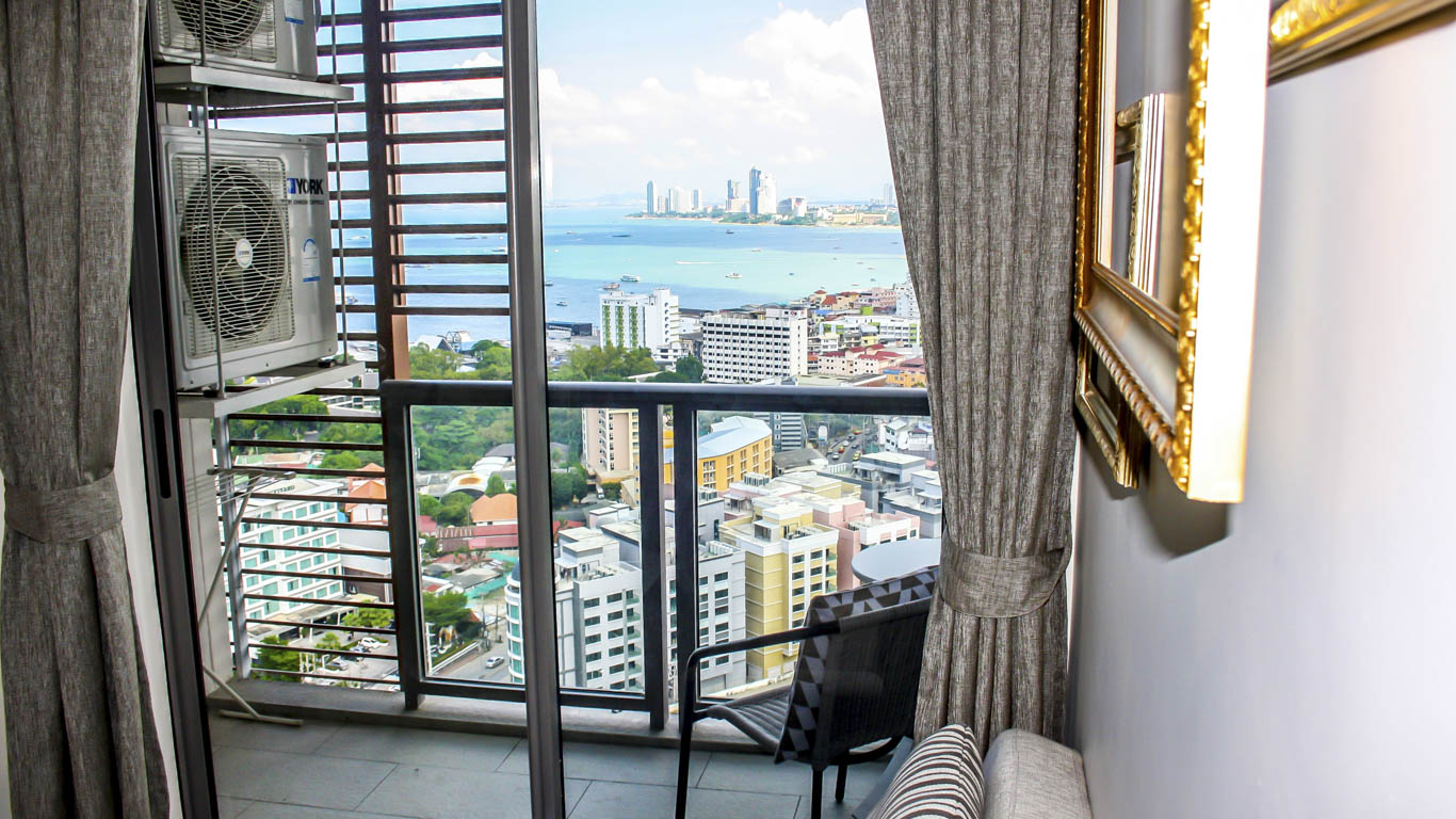 Unixx 1 Bed 1 Bath Sea View