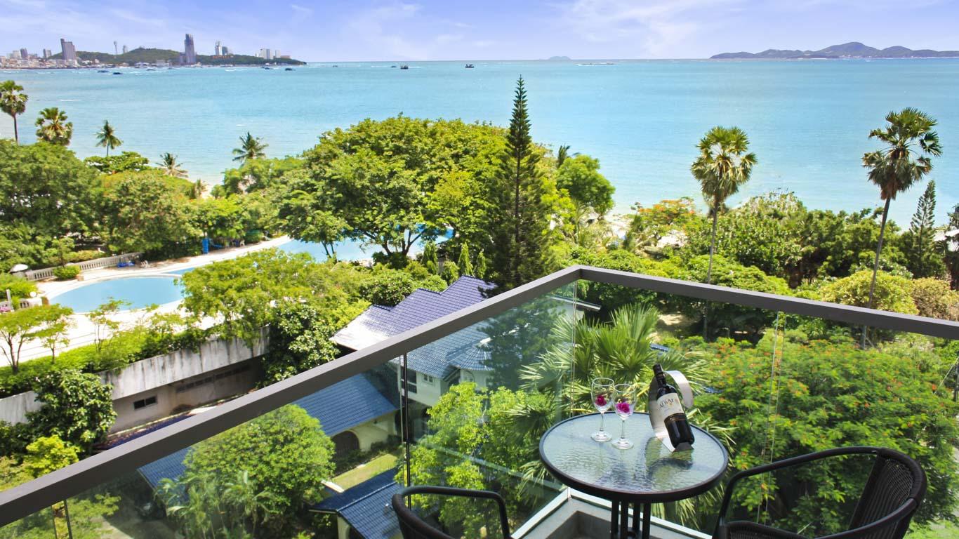 Wong Amat Tower 1 Bed 1 Bath Sea View
