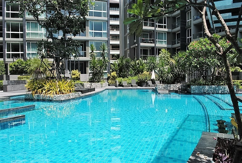 Apus Condo 3 bed  3  Bath Pool View