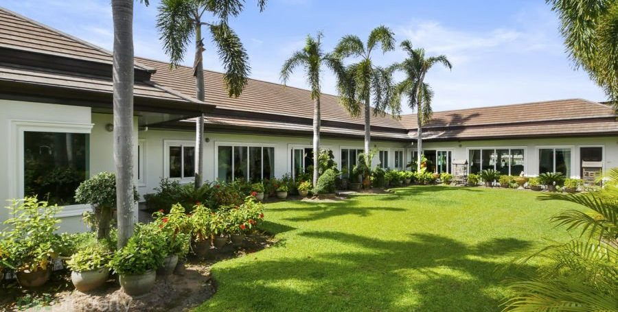 7-bedroom-house-for-sale-in-chonburi