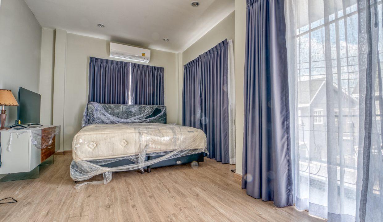 Winston Village 3 bedrooms 2 bathrooms-8